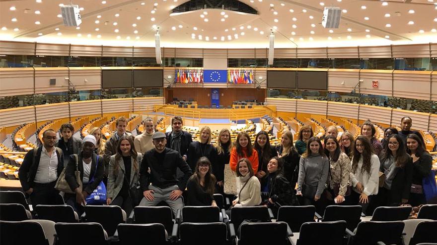 Étudiants en formation communication politique au parlement européen