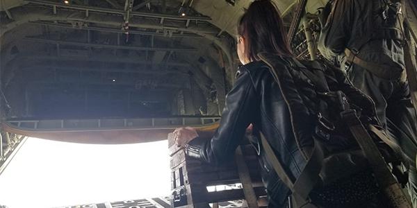 Etudiante de l'école de communication EFAP en stage à l'Armée de l'air et de l'espace