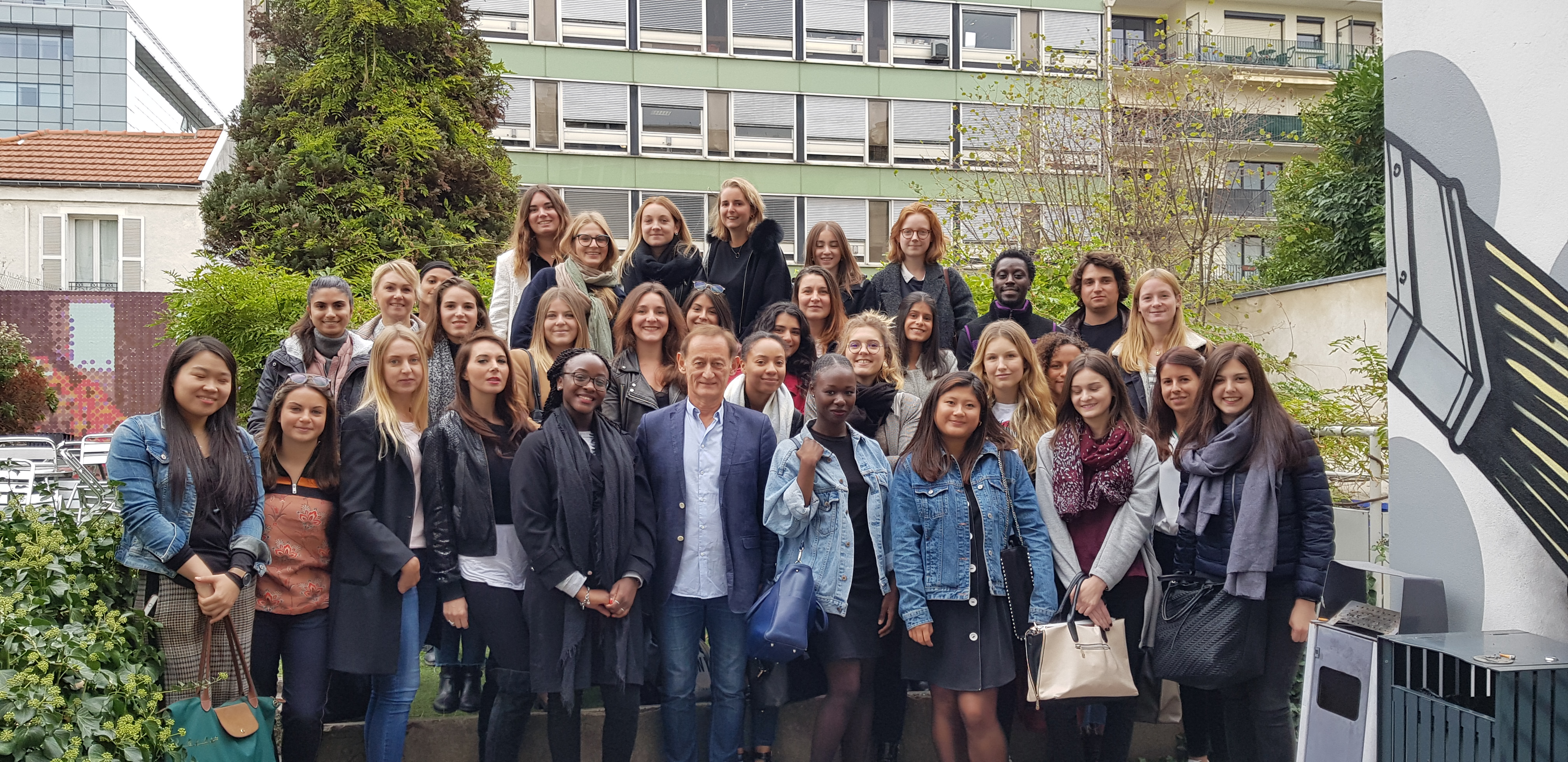 "Promotion 2019 cursus ""International"" du Master marketing de l'EFAP"
