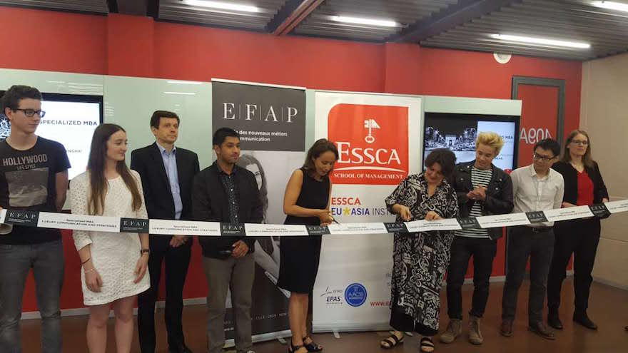 L'inauguration officielle du MBA spécialisé Spécialisé Luxury Communication and Strategies de l'EFAP a eu lieu à Shanghai en présence de la Secrétaire Générale du Groupe EDH, Nathalie Goldchild, du Directeur des programmes de l'ESSCA Shanghai, Maximilian Rech, de la Directrice du Luxury and Innovation Institute de l'ESSCA Shanghai, Sabine Ichikawa, et de nombreux étudiants et intervenants professionnels.