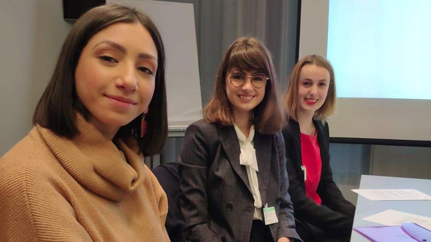 Cours design graphique - Ecole communication EFAP Lille