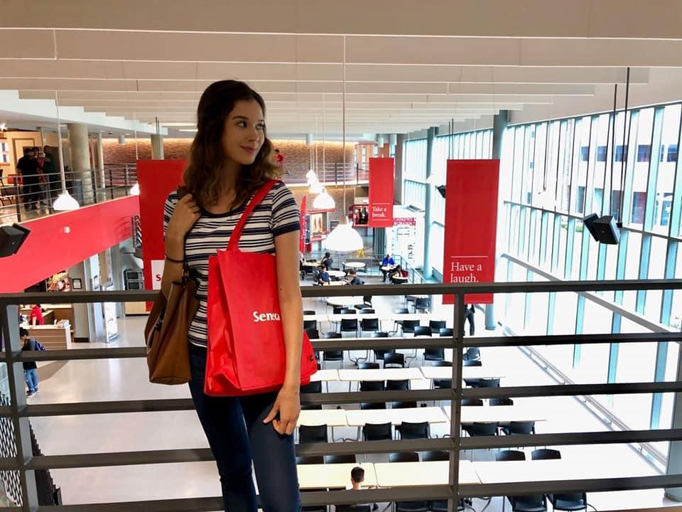 Laura : Sa vision d'une école de communication internationale
