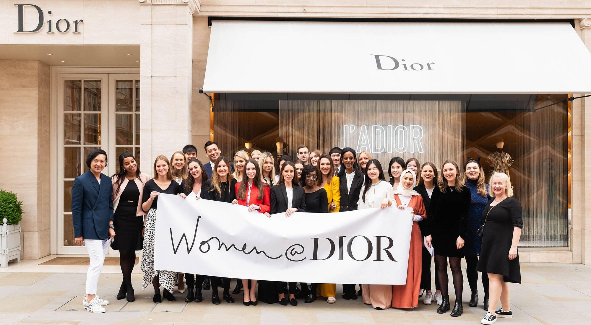 Etudiantes Ecole de Communication EFAP - Women's @Dior
